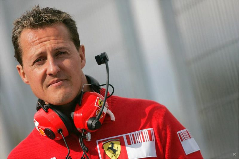 Deutschland verabschiedet sich von Michael Schumacher. Für die Behandlung ist bereits 16 Millionen Euro ausgegeben worden, aber er ist immer noch im Bett.