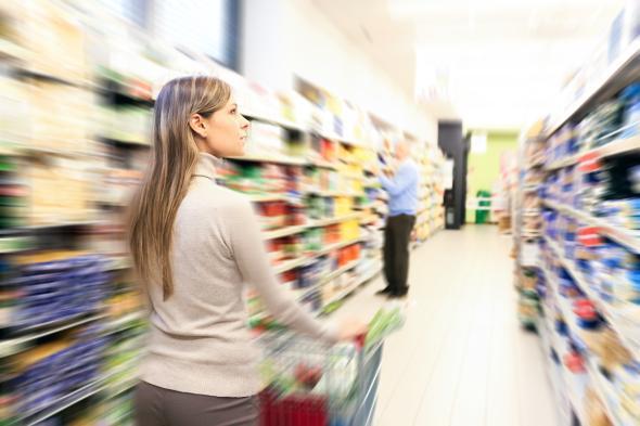 Der Einkauf im Supermarkt bleibt Frauensache