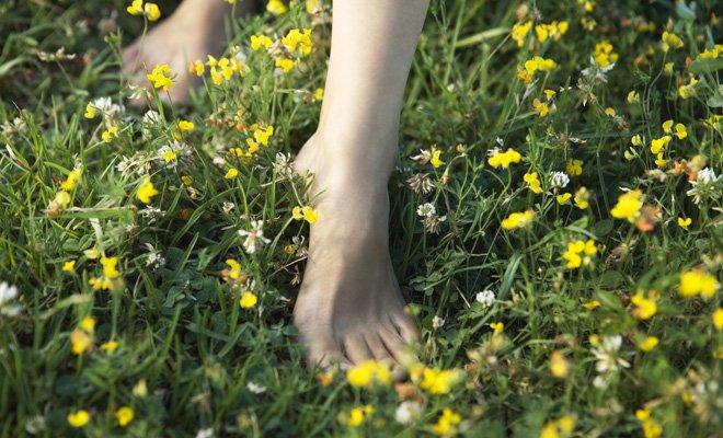 Barfuß gehen: Gesundes Erlebnis für die Füße