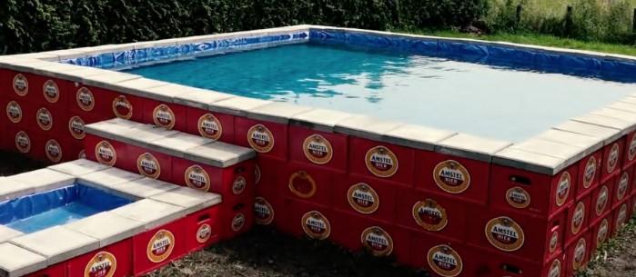 So baut man sich sein eigenes riesiges Schwimmbad aus Bierkästen!