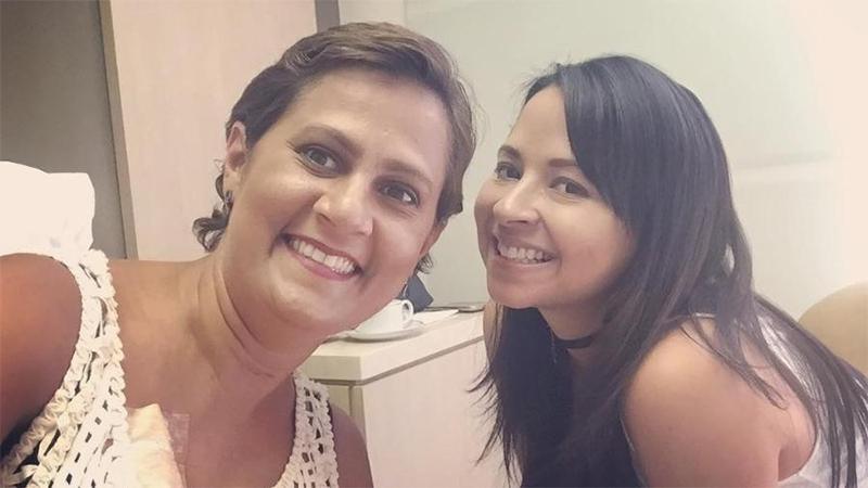 Eine schreckliche Krankheit vereinte diese beiden Frauen und heute genießen sie ihr Leben zusammen bis zu ihrem letzten Tag