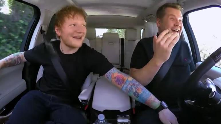 Ed Sheeran sitzt im Auto und fängt an zu singen – dann zeigt er, warum die ganze Welt so verrückt nach ihm ist.