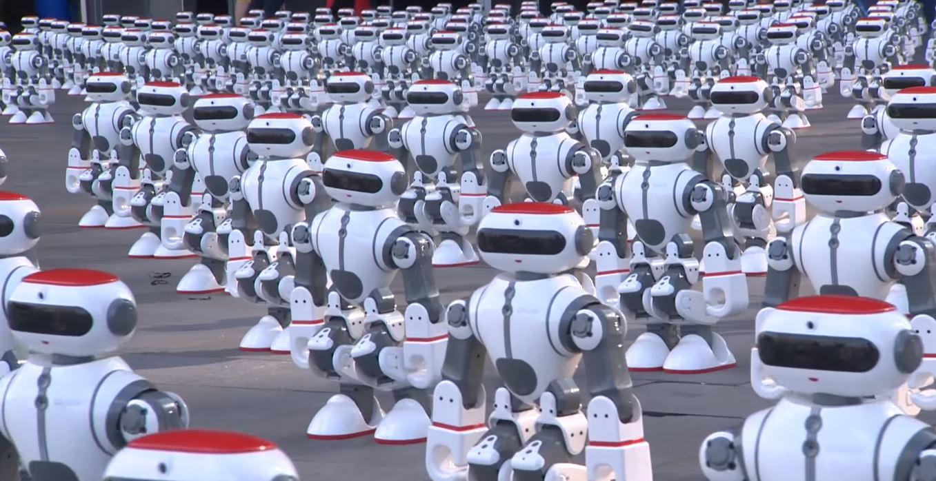 Mehr als 1000 Roboter haben sich zusammengetan, um einen Weltrekord zu brechen!