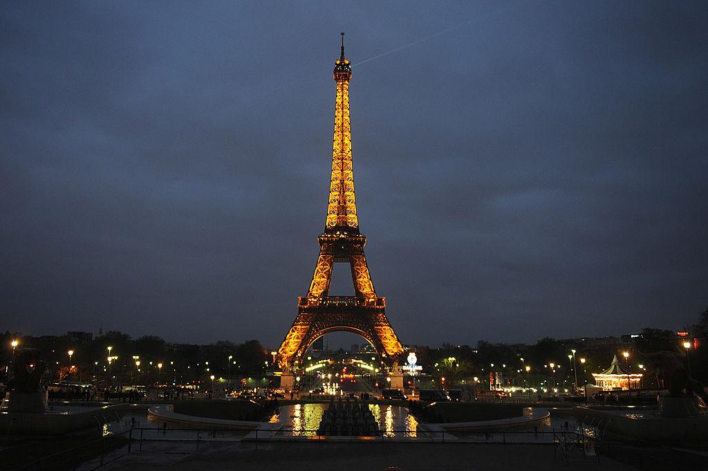 Kannst du dir vorstellen, wie viel es kostet, den Eiffelturm tagtäglich zu beleuchten?