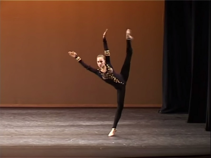 """Diese Ukrainische Ballerina Tanzte Den """"Spinnen Tanz"""" Und Wird Dafür Auf Der Ganzen Welt Gefeiert!"""