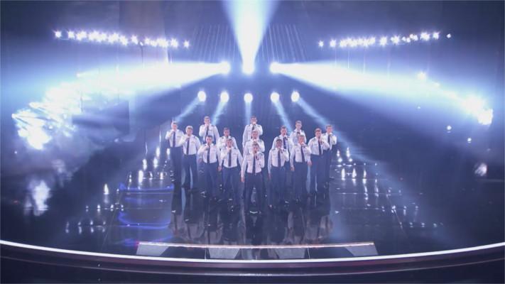 Die 15 Männer gehören zur Air Force – als sie Ed Sheeran's Hit singen, kann die Jury ihren Ohren nicht trauen!