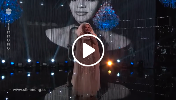"Christina Aguilera singt Whitney Houstons ""I Have Nothing"" – und dann betritt Whitney selbst die Bühne"