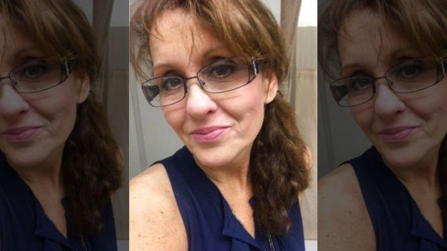 Frau möchte im Hotel einchecken – dann flüstert sie vier Worte, woraufhin die Mitarbeiter sofort reagieren