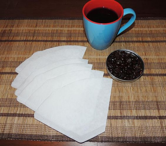 Mit Kaffeefilter-Trick Papierrosen zaubern.