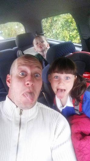 """7 Jährige wegen """"unweiblichem"""" Berufswunsch gemobbt – Vater verteidigt."""