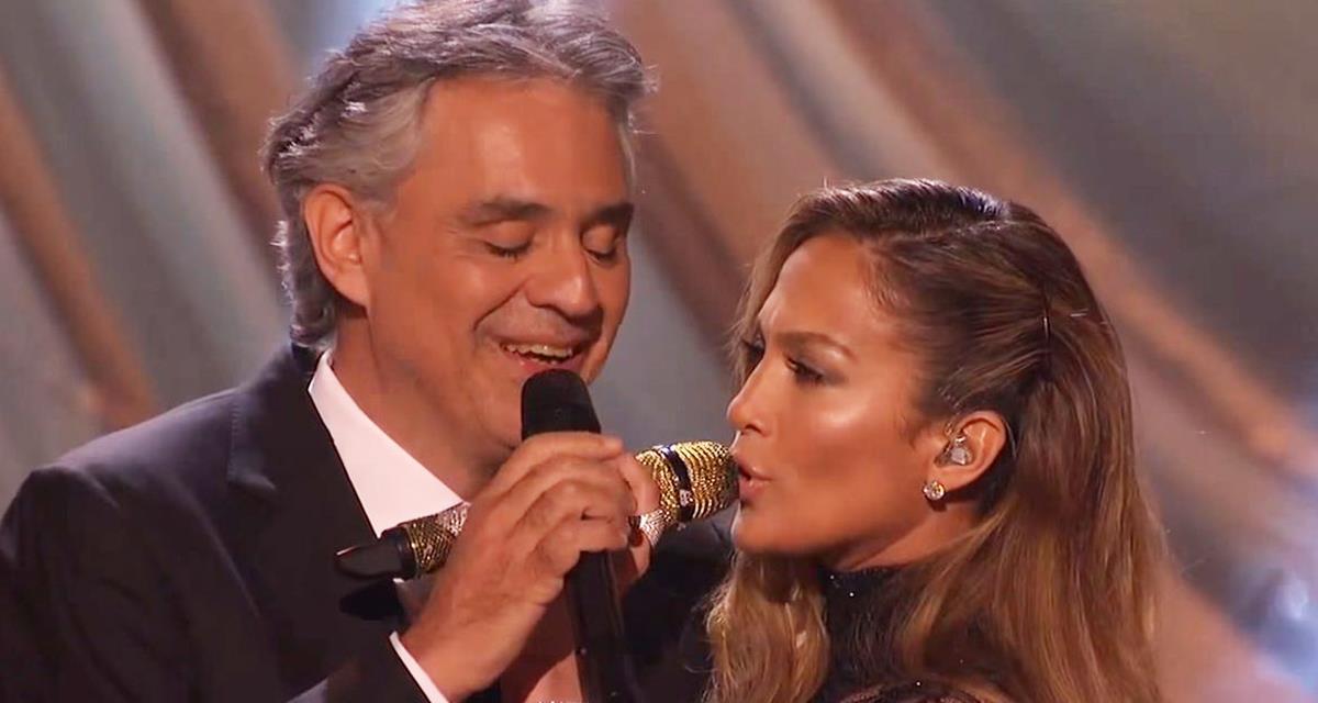 Sensationelles Duo Andrea Bocelli und Jennifer Lopez. Das Publikum heulte vor Freude!