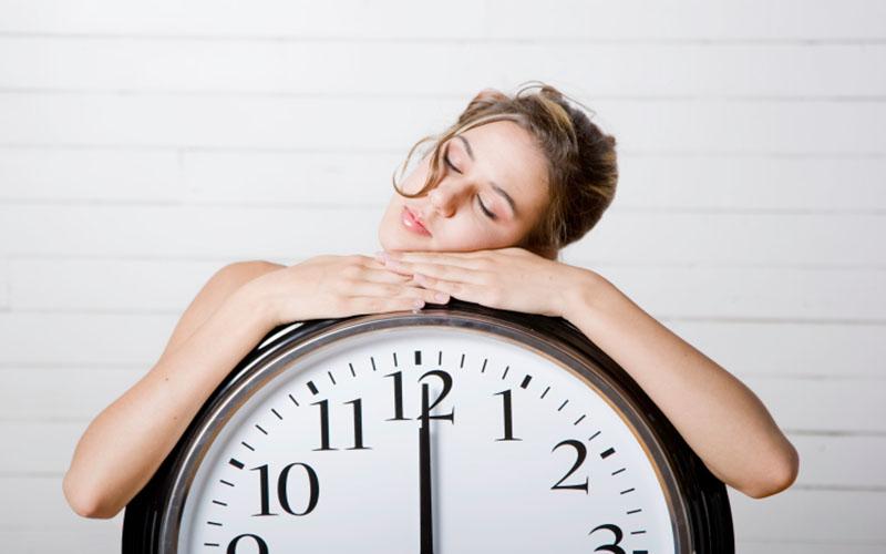 Wie viele Stunden Schlaf man wirklich braucht?
