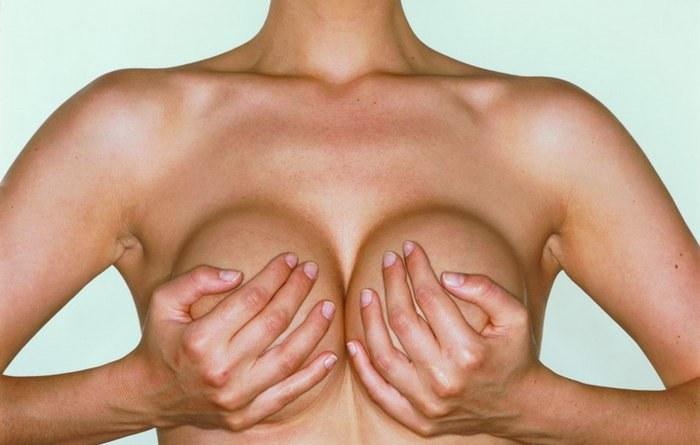 Probleme einer großen Brust, oder Warum Frauen mit einer großen Brüste kleine Brüste bevorzugen!