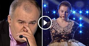 Das Mädchen ohne Hände kam auf die Bühne und begann zu singen, die Juries konnten die Tränen nicht zurückhalten. Und dann passierte das Undenkbare ...