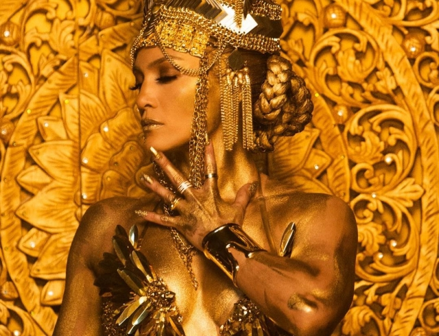 Eleganter Clip von Jennifer Lopez eroberte das Internet. Eine echte Königin!