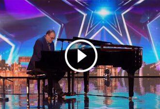 Die Juroren dachten, dass der Pianist alleine auftrat, aber in einem Moment passierte es!