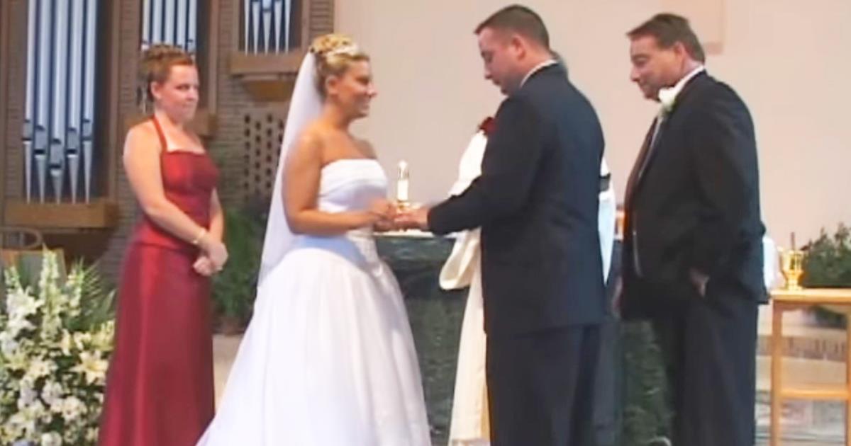 Unerwarteter Fall während der Hochzeit. Sogar der Priester konnte nicht anders als zu lachen!