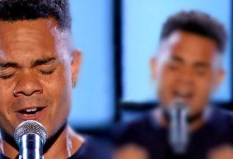 Ich hätte nie gedacht, dass ein Mann Houston singen könnte. Aber dieser Typ hat das getan.