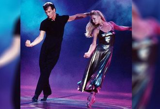 Patrick Swayzes unnachahmlicher Tanz mit seiner Frau. Ich bin begeistert von diesem Paar!