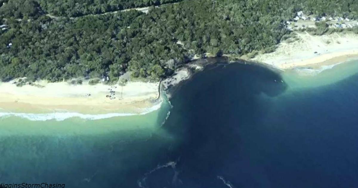 Ein Strand in Australien wurde von einem riesigen Schwarzen Loch verschluckt! So war es