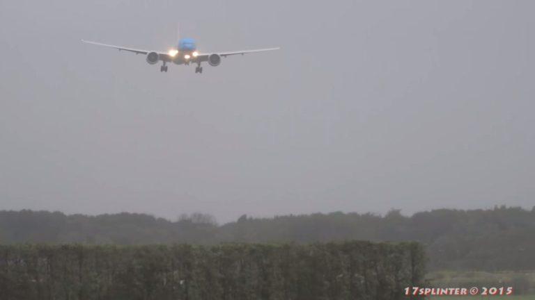 Extreme Landung des Flugzeugs in einem Sturm. Schau bis zum Ende!
