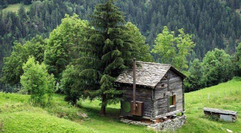 Das Traum von jeder introvertierten Person : Eine hochmoderne Hütte mitten in den Alpen!