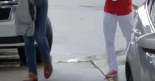 Student läuft 32 Kilometer zu Fuß zur Arbeit - dann erfährt der Chef davon