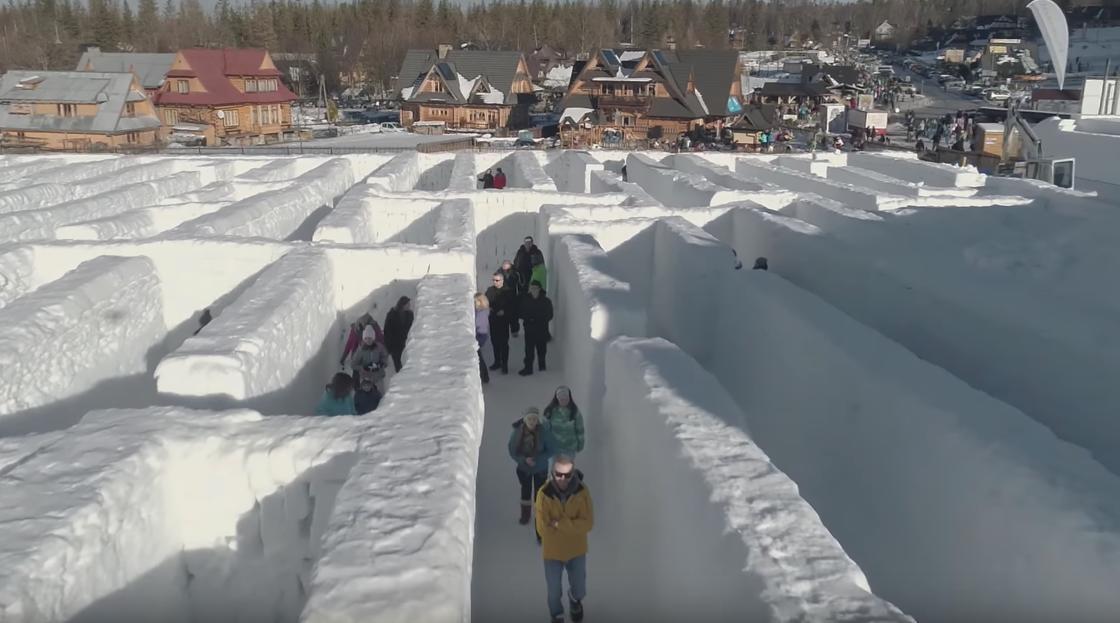 Das größte Schneelabyrinth der Welt