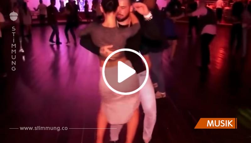 Atemberaubende Bachata. Sie tanzen so schön und sind so talentvoll, dass man seinen Augen kaum glaubt!