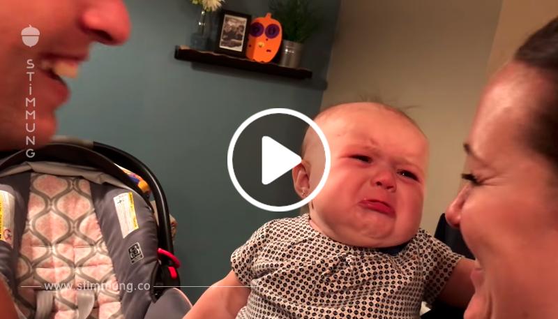 Dies ist die süßeste Szene der Eifersucht, die ich je gesehen habe! Dieses Baby ist eifersüchtig auf ihren Vater!