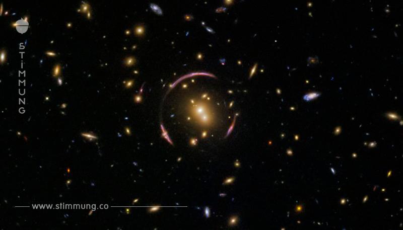 Einsteins Ring ist eine schöne Konsequenz der Relativitätstheorie.