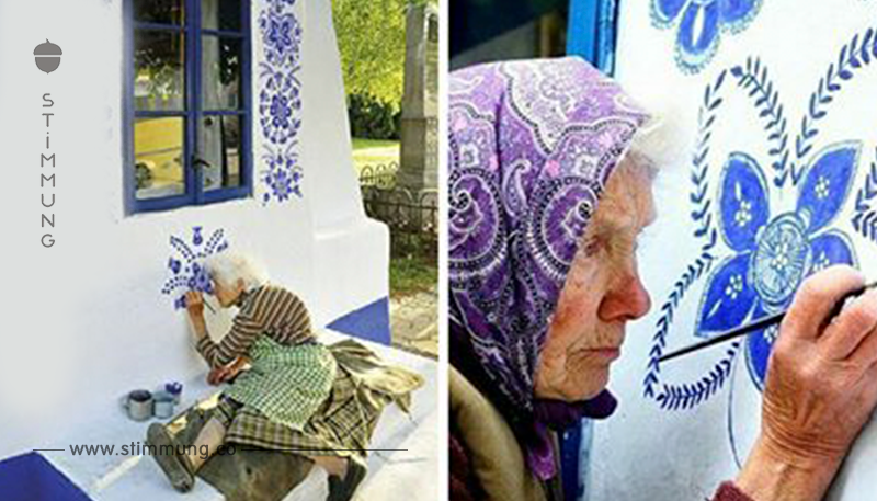 90 Jährige macht aus Dorf ihre eigene Kunstgalerie, indem sie Blumen auf Häuser malt