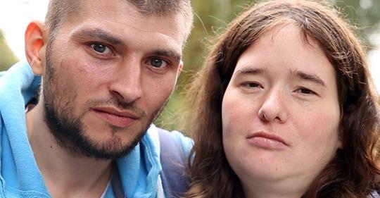 Armes Deutschland: Mega Flohmarktpleite bei Dennis und Isabella