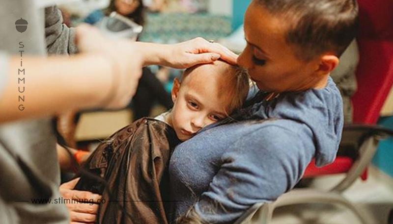Eine Familie ließ sich die Köpfe rasieren, um ihre Tochter