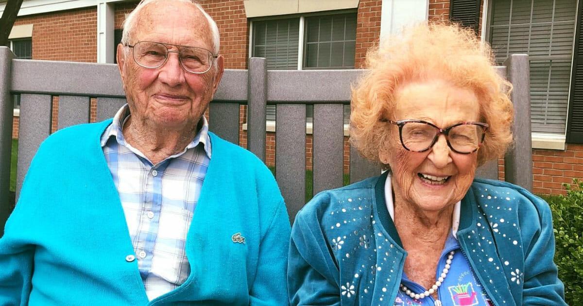 Die Liebe kennt kein Alter: Seniorenpaar gibt sich das Ja Wort – er ist 100 und sie 103 Jahre alt