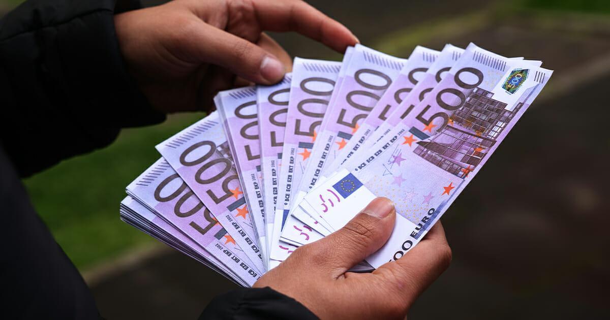 """Braunschweig: Unbekannter Wohltäter gibt 100.000 Euro """"Wundertüte"""" für Hospiz ab"""