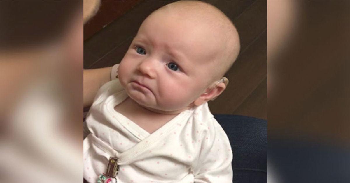 Ein kleines Mädchen wurde taub geboren und hört ihre Mama endlich sagen: