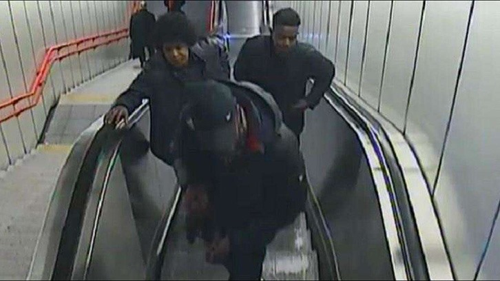 Schock: Fahndung nach brutaler Afro-Attacke in Wiener U3
