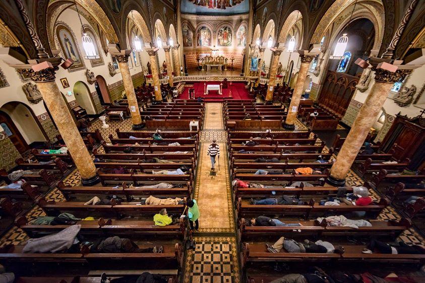Die Kirche Bietet 225 Obdachlosen Unterschlupf Damit Sie