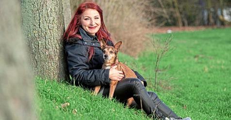 "ER WAR VIER WOCHEN LANG ALLEINE Sarah rettet Hunde-Opa ""Sweety"" (15)"