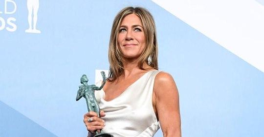 Jennifer Aniston verrät bei den SAG Awards, dass ihr Brad Pitts Unterstützung
