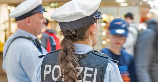 Polizistin telefonisch beleidigt: 1500 Strafe für diese beiden Schimpfwörter!