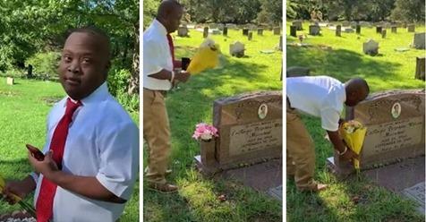 Liebevolle Teenager mit Behinderung besucht den Grabstein seiner verstorbenen Mutter, um ihr zu sagen:  Ich habe es geschafft. Ich habe meinen Abschluss gemacht