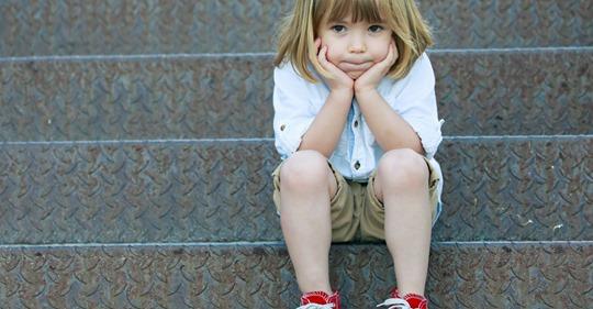 Bei Corona-Verdacht: Kinder sollen von ihren Eltern isoliert werden