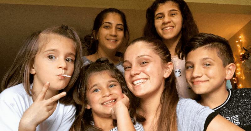 21 Jährige zieht ihre fünf Geschwister groß, neben Studium und Teilzeitjob – Eltern starben an Krebs