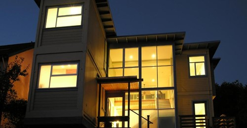 Wenn Sie dieses luxuriöse Haus sehen, glauben Sie nicht, dass es aus Schiffscontainern aufgebaut wurde! Was für ein schönes Inneres!