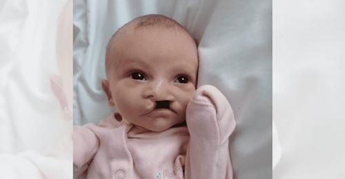 """Trauernde Familie gedenkt Mädchen (2 Wochen alt), das ermordet wurde: """"Große Leere in unseren Herzen"""""""