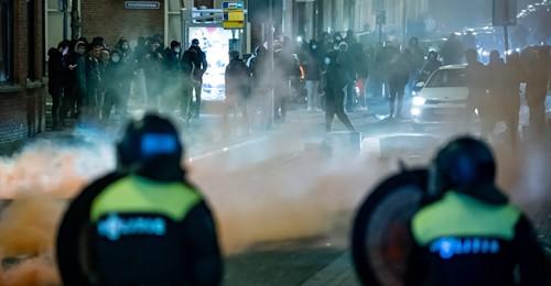 Plünderungen, Feuer, Zerstörung: Erneut schwere Krawalle in den Niederlanden