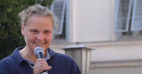 +++ Breaking +++: Ärztekammer entzieht kritischer Medizinerin Rösch Berufslizenz