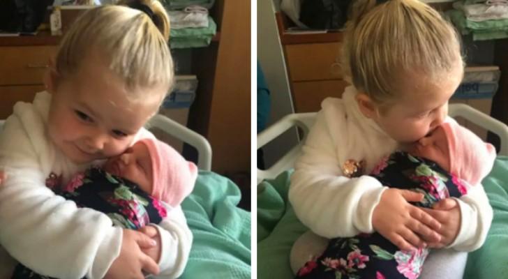 Mit 3 Jahren trifft sie ihre neugeborene kleine Schwester und verspricht ihr, sie immer zu beschützen: Das Video ist rührend